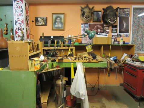 Maori artist's workshop in Rotorua